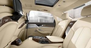 2013-audi-a8lw12-interior-006